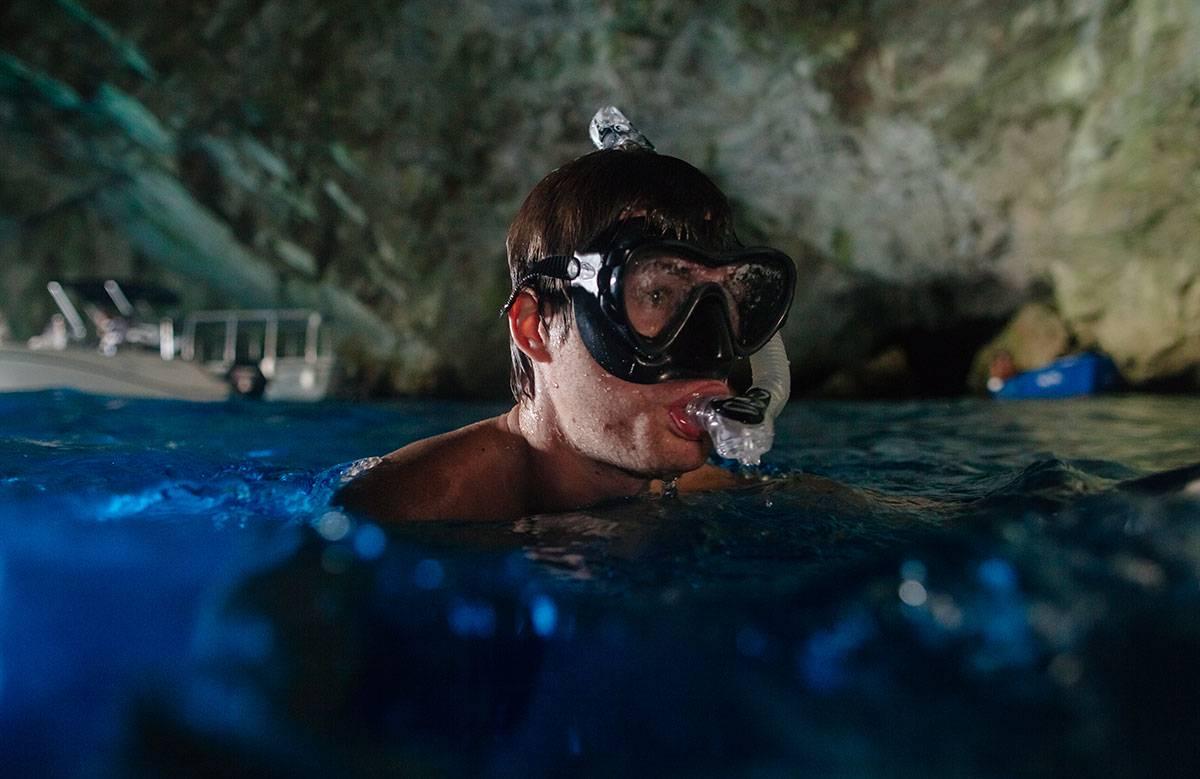plongée dans une grotte
